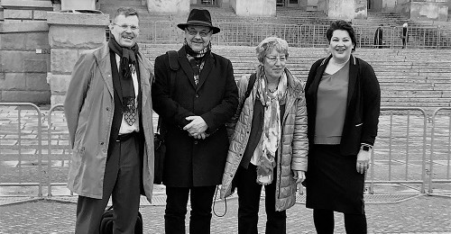 Vor der Gesundheitsausschusssitzung: Mit DPtV-Koaliationären (in der Mitte) Michael Ruh (Stellv. Vorsitzender) und Barbara Lubisch (Bundesvorsitzende)